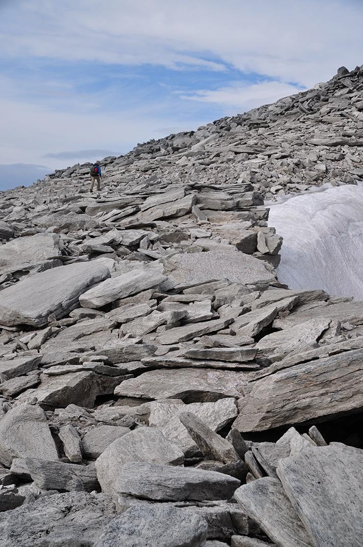Nordryggstien skal bygges stein på stein. Målsettingen er at interesserte og engasjerte geologer skal bidra med egen kunnskap og egne bilder og foreslå lokaliteter innenfor fjellkjeden som kan gi ny kunnskap til den interesserte allmennhet. Foto: Halfdan Carstens