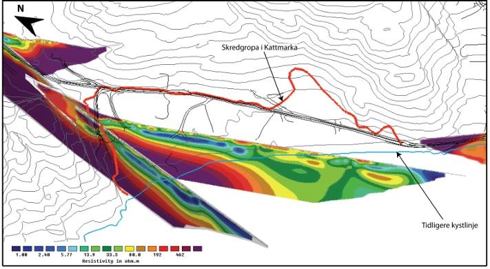 Kryssende resistivitetsprofiler målt i skredgropa i Kattmarka, april 2010, visualisert i et 3D-program. Profilene viser begynnende tørrskorpe i toppen og under ei lomme av saltholdig leire (blå) i utvasket leire (grønn/gul). Fjell i bunnen av profilene (lilla). Illustrasjon: NGU