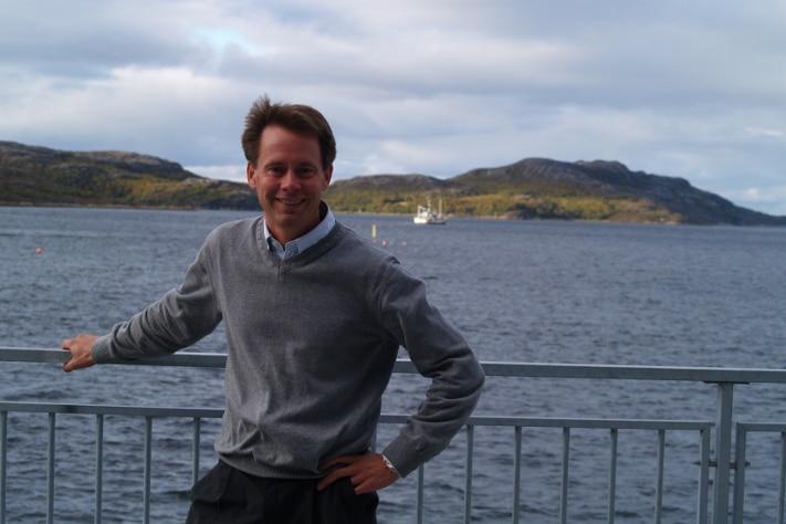 Øystein Rushfeldt er administrerende direktør i Nussir ASA og har tatt på seg den formidable oppgaven med å få landets største kobberforekomst i drift. Foto: Halfdan Carstens
