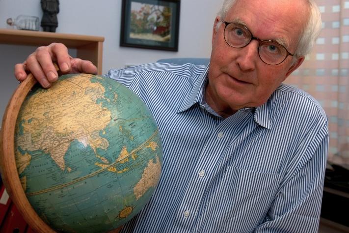 Oddvar Kjekstad var NGIs viseadministrerende direktør i en årrekke, nærmest som en geoteknisk utenriksminister med både diplomatiske og humanitære tilleggsakkreditiver. Foto: NGI