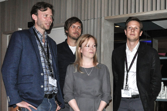 The four finalists Olav Antonio Blaich, Tor Sømme, Kari Langvik Østhus and Stian Haaland with Tom Bugge, President of NGF on the stage at the Recent Discoveries & NCS Prospect Fair Dinner where the winner was announced. Foto: Hans Gebauer