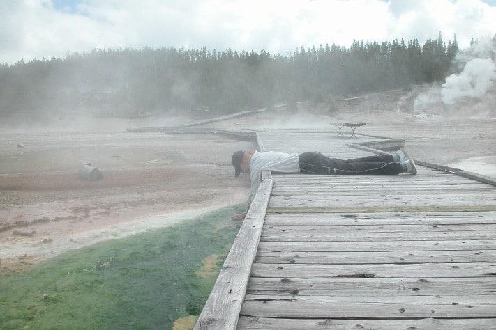"""Norris Geysir Basin i Yellowstone Park demonstrerer tydelig at undergrunnen i denne delen av USA er """"levende"""".  Foto: Halfdan Carstens"""