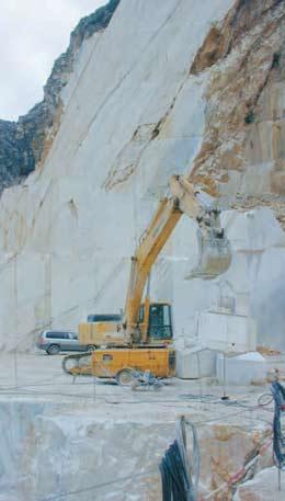Uttak av marmor i Carrara.
