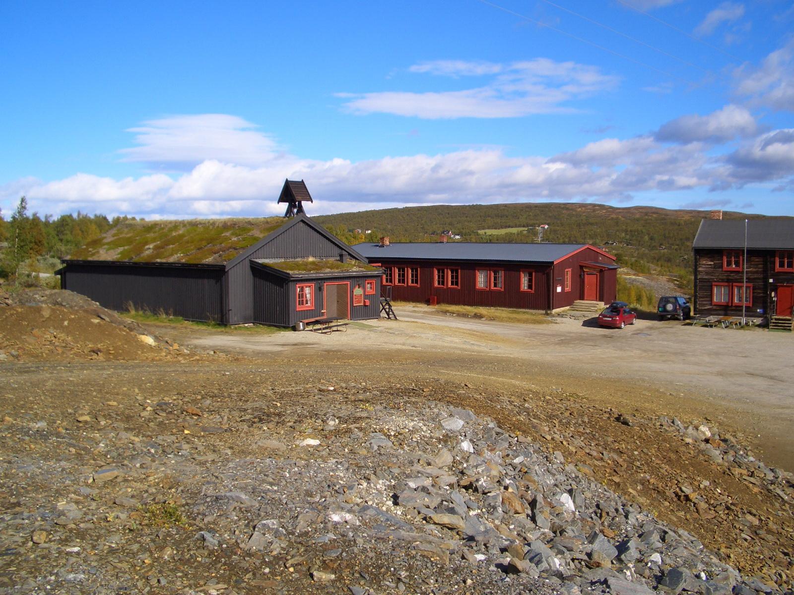 Solskinnshytta ligger utenfor Olavsgruva. Foto: Bjørn Seeland