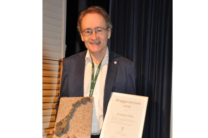 Fridtjof Riis fikk NGFs ærespris på Vinterkonferansen. Foto: Halfdan Carstens