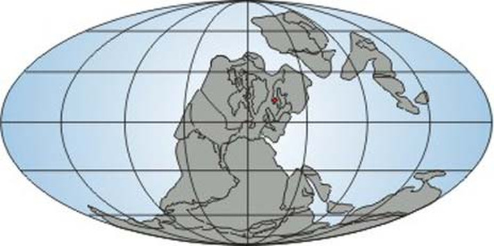 Kontinentenes plassering i karbontiden. Norge er markert med en rød prikk.