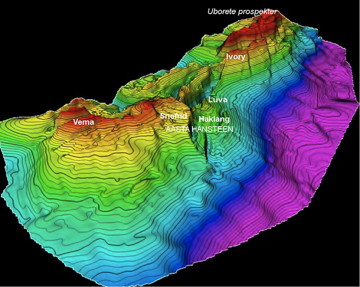 Illustrasjon: Ivory-strukturen med navn 2 Strukturkart over Nykhøyden langt nord i Norskehavet. På Vemadomen boret Statoil Ægir-prospektet i 1998 med 6706/11-1. Brønnen var tørr. © Atlantic Petroleum