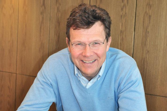 Adm. direktør Ivar Fossum i Nordic Mining har en slitsom tid bak seg. Han mener prosessen med å få reguleringsplanen og utslippstillatelsen på plass har tatt tre år ekstra på grunn av alle innsigelsene fra forskjellige hold. Han gleder seg imidlertid over at det betaler seg å formidle kunnskap, og at den i dette tilfelle har overbevist regjeringen om at gruveplanen i Engebøfjellet ikke vil føre til varige miljøskader. Foto: Halfdan Carstens