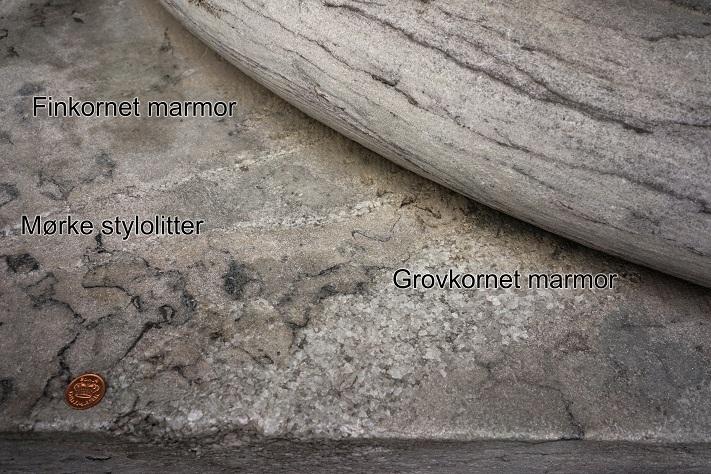 København-Marmorkirken-grunnmuren-Gjellebekkmarmor-DSC01174-tekstet[1]