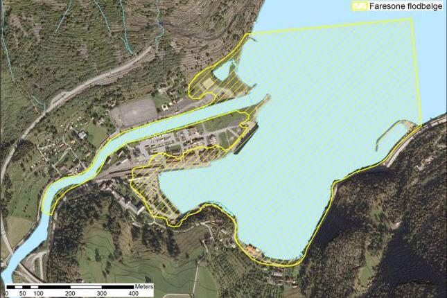 Analyser viser at faresonen for en flodbølge ved et ras i Joasetbergi er betydeleg mindre enn først antatt. Illustrasjon: NVE